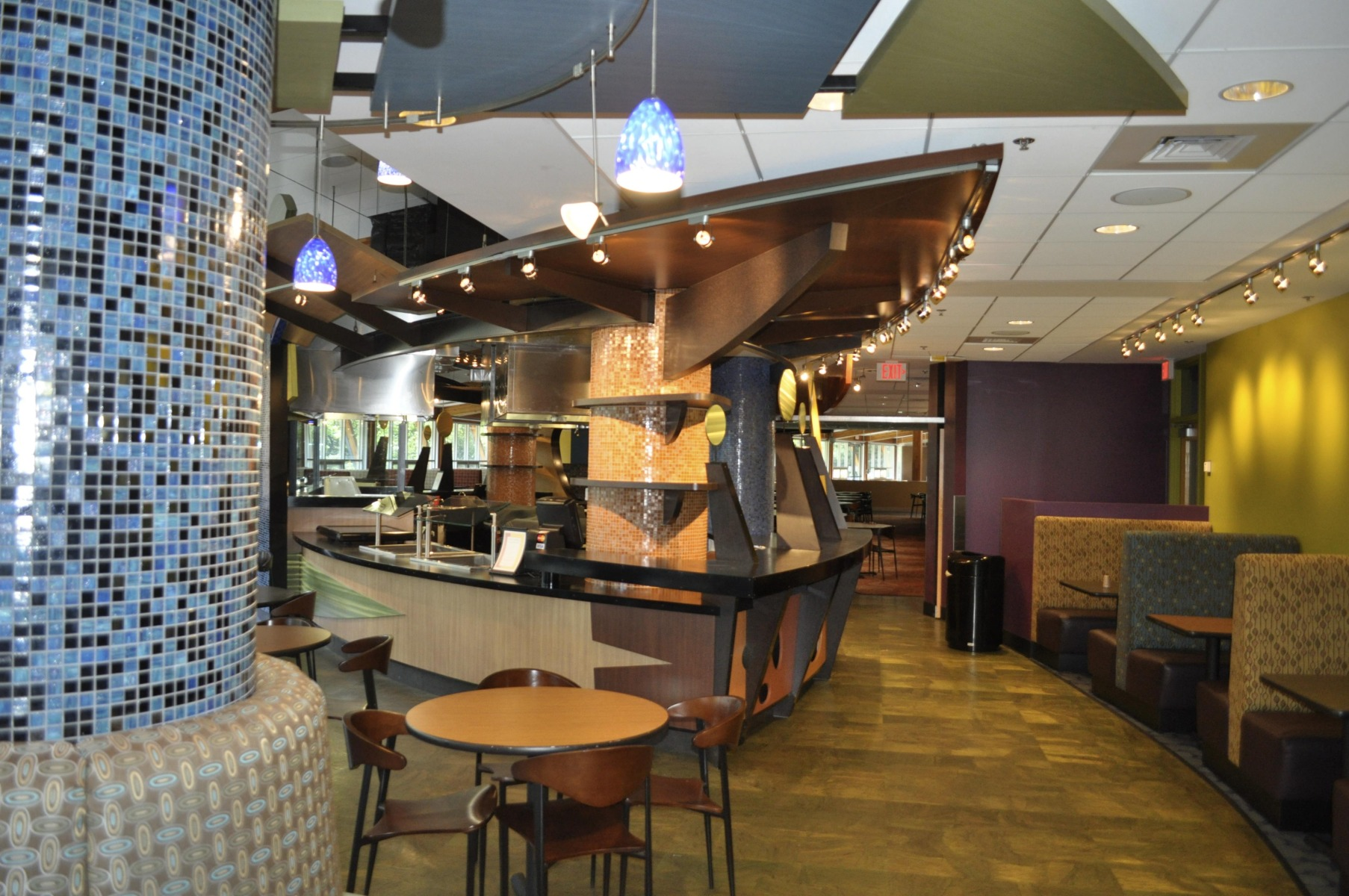 South Barrington Dining Room Project: Harry's Pub & Wok @ The Student